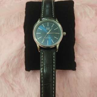💯 Authentic Q & Q Women's Blue Dial Leather Band Watch