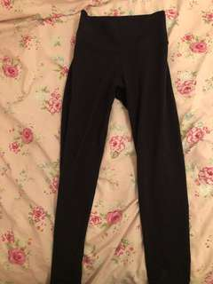 ARITZIA TNA high waisted leggings