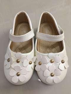Max Kool Shoe (size 25, 15cm)