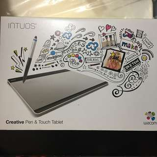 Wacom Intuos: Creative Pen & Touch Tablet 繪圖板