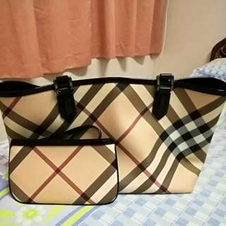 Burberry bag NEGOTIABLE