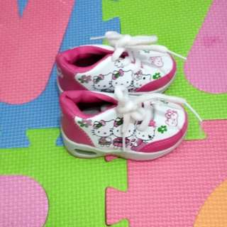 Hello Kitty shoes for baby girl