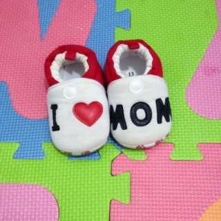 I ♥ mom shoes for cute babies
