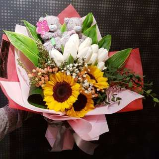 Tulips + Sunflowers Bouquet (Without Bears)