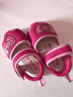 Hello kitty baby squeaky shoes