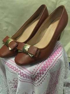 Parisian office shoes