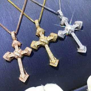 自家緬甸玉石珠寶完美追求者之選 。 價格: $4,999HKD套 鑽石: 0.25ct約 鑲嵌: 18k750 歡迎預訂需全數繳付
