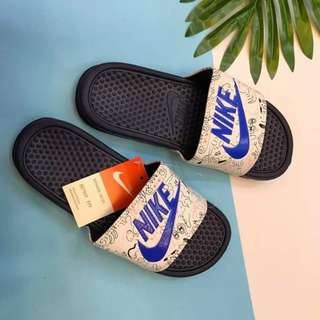 MAR 18 NIKE WOMENS SLIPPERS (DCL)