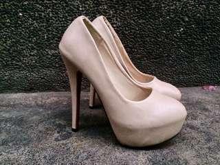 """Nude 3"""" high heels"""