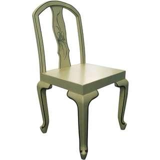 Vintage Chair 古典實木椅一張
