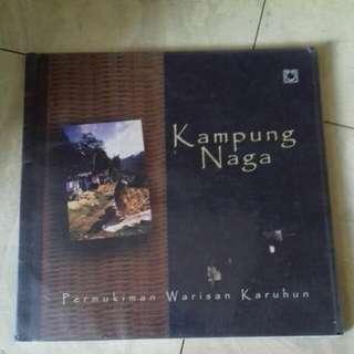 Buku Kampung Naga