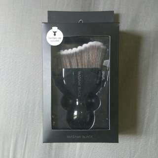 Masami black brush