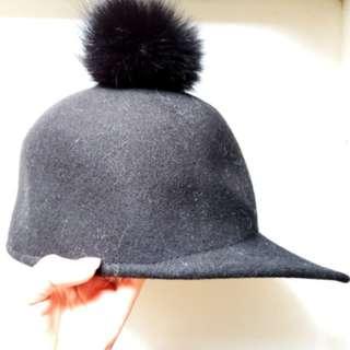 全新未剪牌黑色毛毛騎師帽