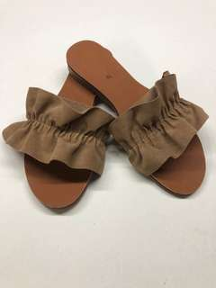 Ruffled summer sandals