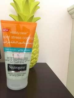 Neutrogena spot stress control face daily scrub