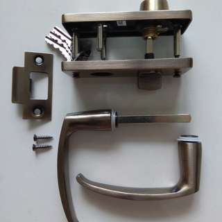 Antique Brass Entrance Lever Handle Lock Set Without Latch