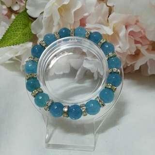 蓝色 玛瑙。 Blue agate. 8mm
