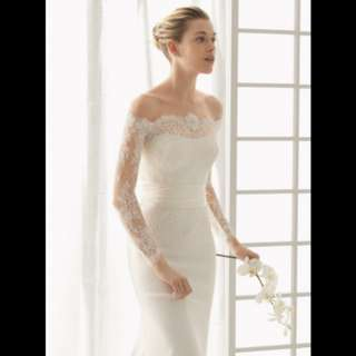 This Sleek Wedding Dress