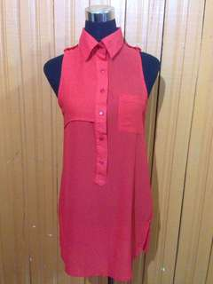 Red sleeveless collared Blouse