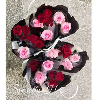 Rose Bouquet - Petit Size
