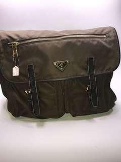 Prada Bag 尼龍料真皮包邊全新購自意大利 保證真品36x26x14