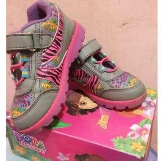 Footwear (Dora)