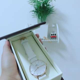 🚚 DW北歐簡約玫瑰金純白手錶
