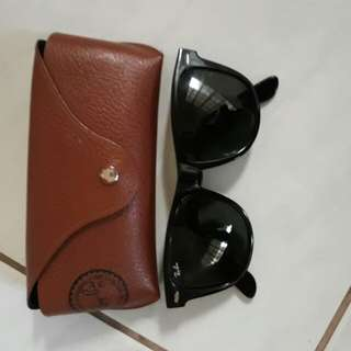 RayBan wayfarer in good condition