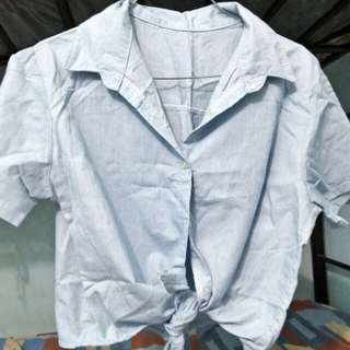 Tie-knot top