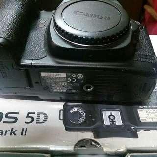 Eos 5d mark II (body only)+ acc box