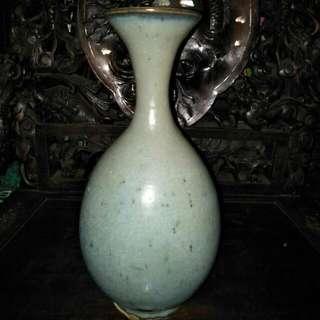 宋代月白釉大玉壶春瓶86218574