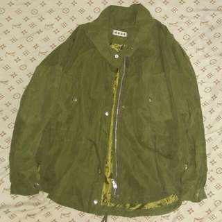 Green Jacket (for blogger type)