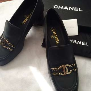 Chanel leather size 39.5