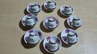 Cute Vintage Porcelain Teacup & Saucer x 18pcs