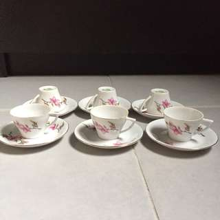Cute Small Cups And Saucers x 6
