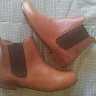 Topshop Tan Leather Chelsea Boots