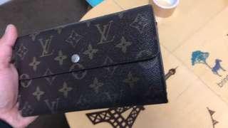 Authentic Louis Vuitton Wallet (tri-fold) Big