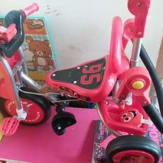 兒童三輪車