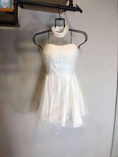 歐美氣質白色珍珠無袖性感平口白紗伴娘澎裙洋裝
