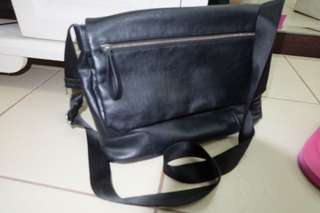 Zara laptop bag