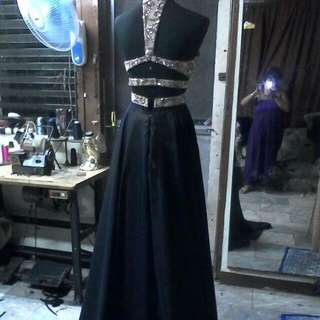 GOLD BLACK LONG EVENING GOWN FOR RENT