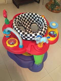 Baby play pen/chair