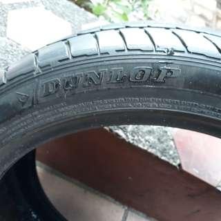 Dunlop Sport Maxx tire
