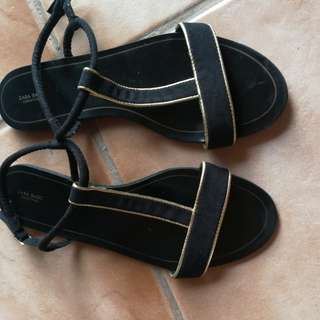 pre-loved ZARA sandals black and gold