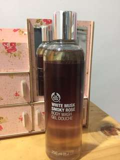 White Musk Smoky Rose Body Wash Gel