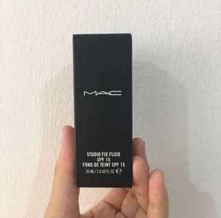 MAC Foundation- Studio Fix Fluid