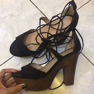FAST SALE HIGH WEDGES