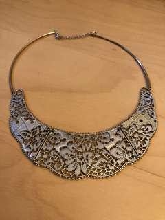 HM necklace / 通花優雅項鍊