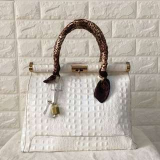 Italy genuine leather hand bag