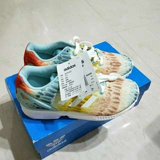 🚚 Adidas羽毛慢跑鞋 38